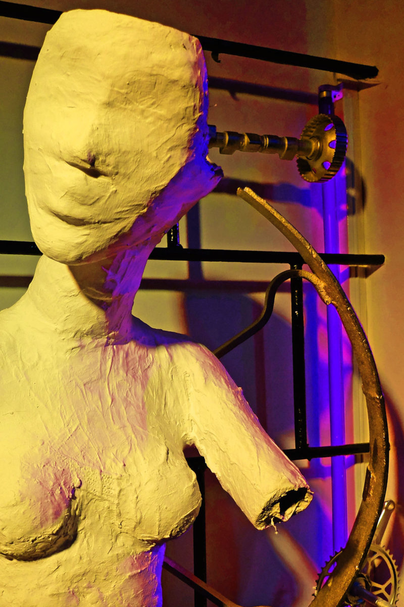 rzeźby kinetyczne na zamówienie