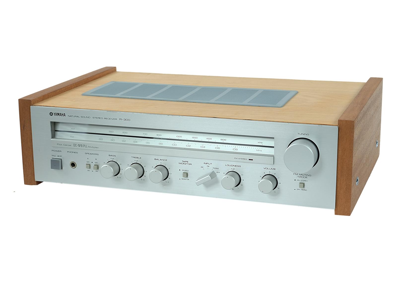 yamaha r 300 stereo receiver natural sound stereo. Black Bedroom Furniture Sets. Home Design Ideas