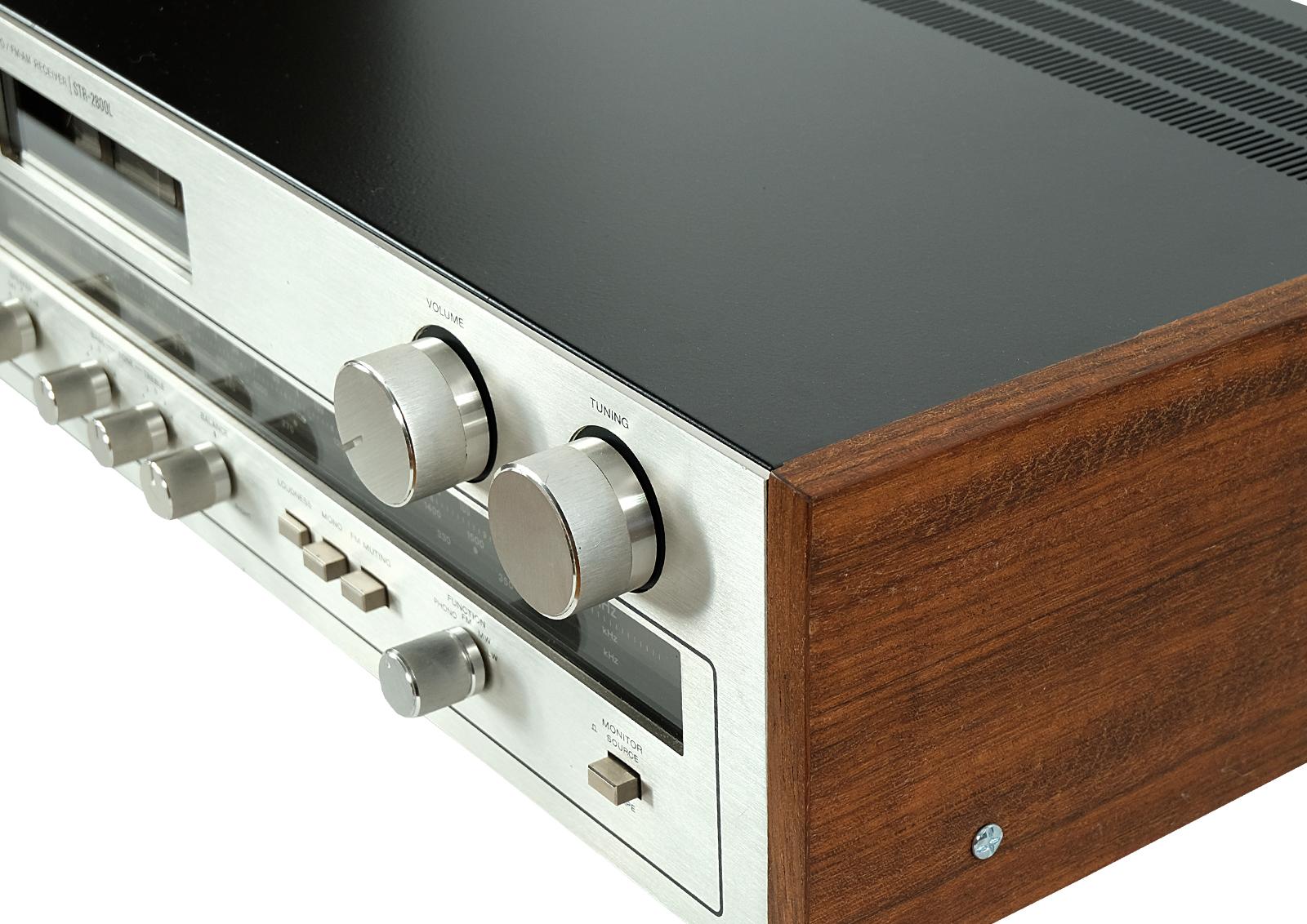 Sony STR 2800L.