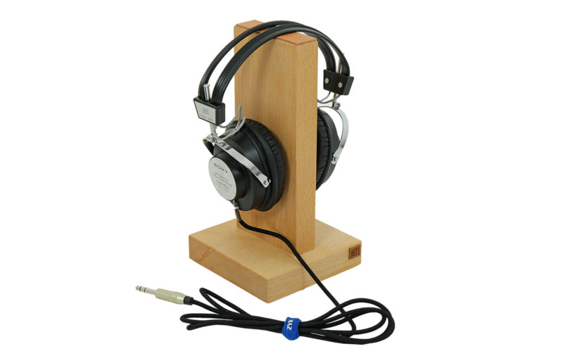 Headphones stands
