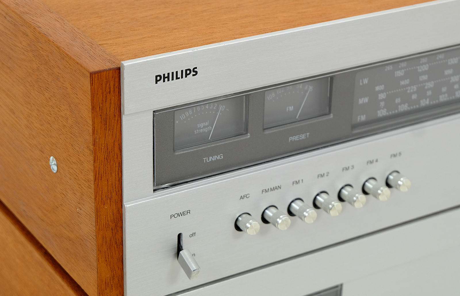 Philips 594, Tuner Philips 694